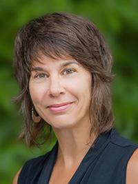 Headshot of Linda DeSantis
